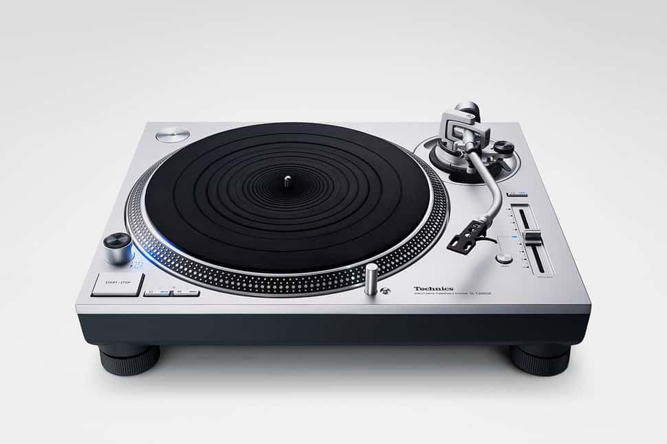 technics sl-1200gr turntable